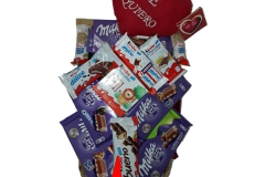 cesta variado chocolate san valentin 50x26x28 C
